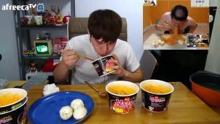 thi ăn 5 hộp mỳ 5 quả trứng luộc và 5 quả cam  và cái kết bất ngờ